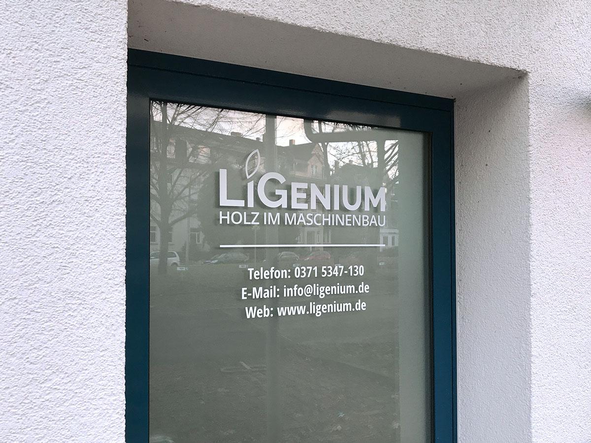 Türfolierung für LiGenium GmbH