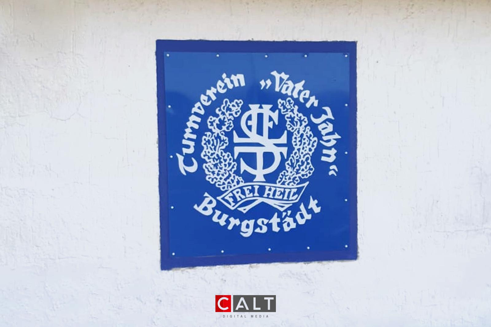 """Aluverbundplatte für den Turnverein """"Vater Jahn"""" in Burgstädt"""