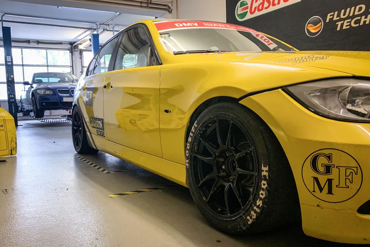 Neufolierung Fahrzeugteile für east racing motorsport